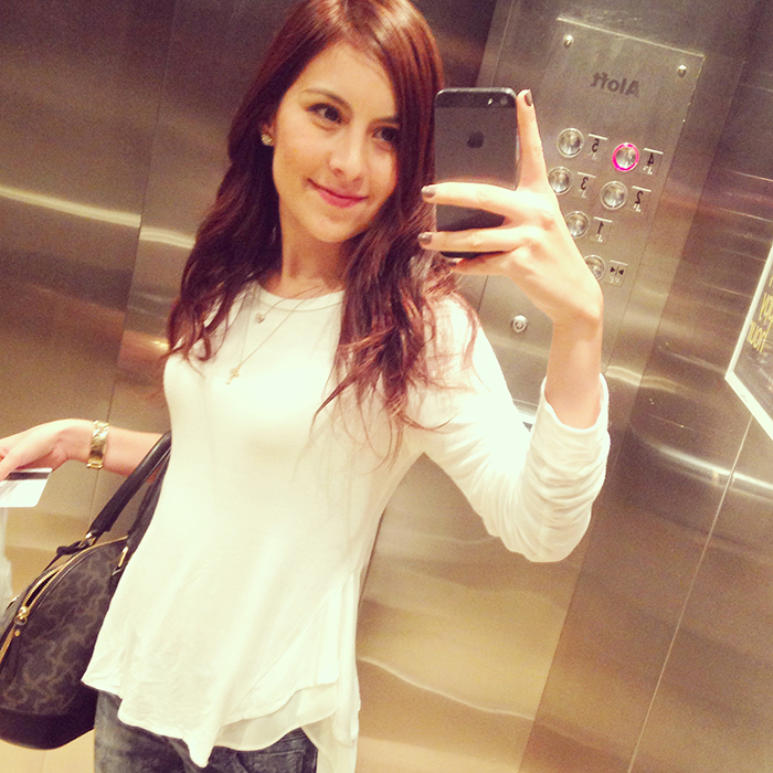 elevator selfie e2